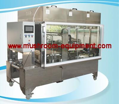 Mushroom liquid inoculating machine for bag spawn